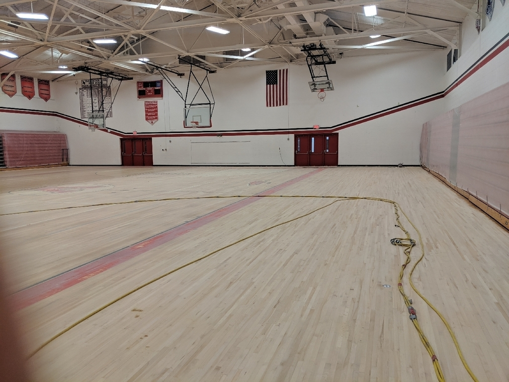 Sanding of high school gym floor1