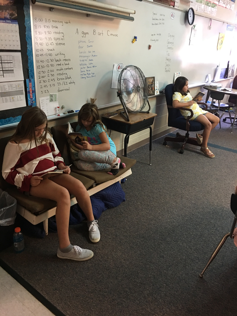 4th graders reading