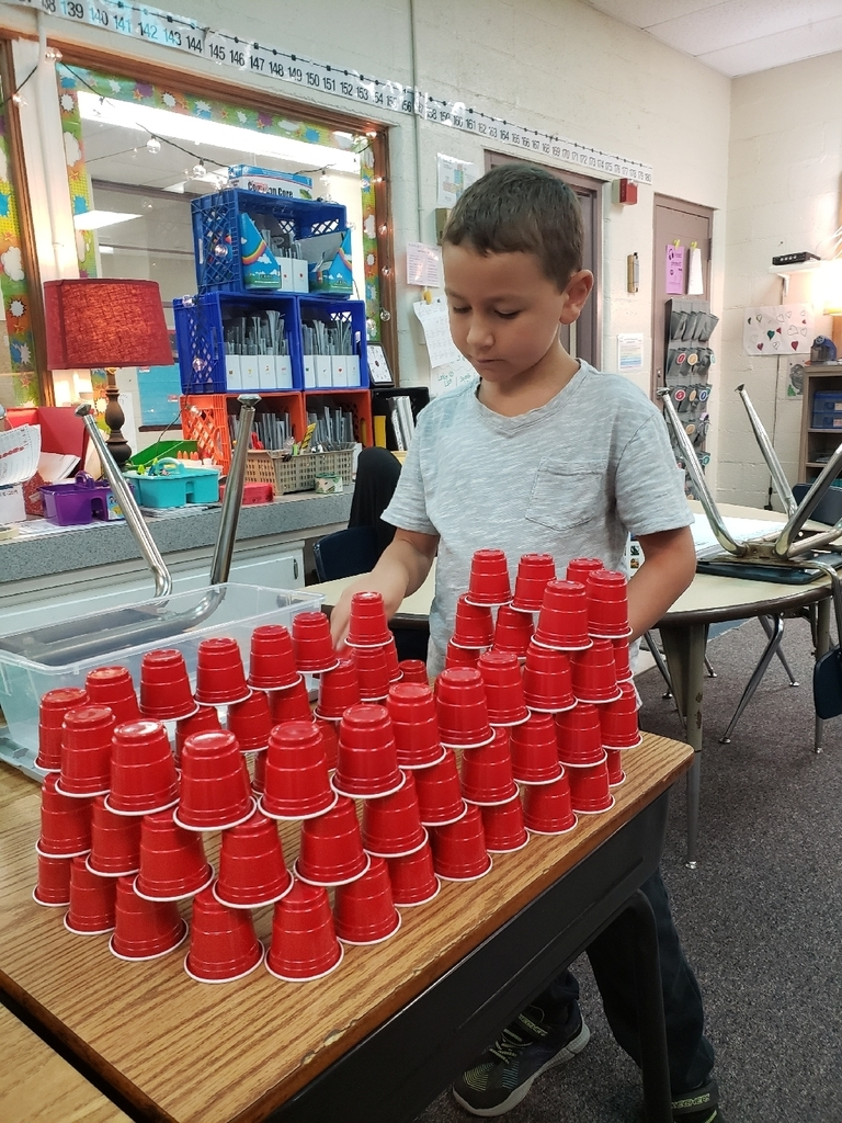 Zack is challenging himself to build a large cups structure!