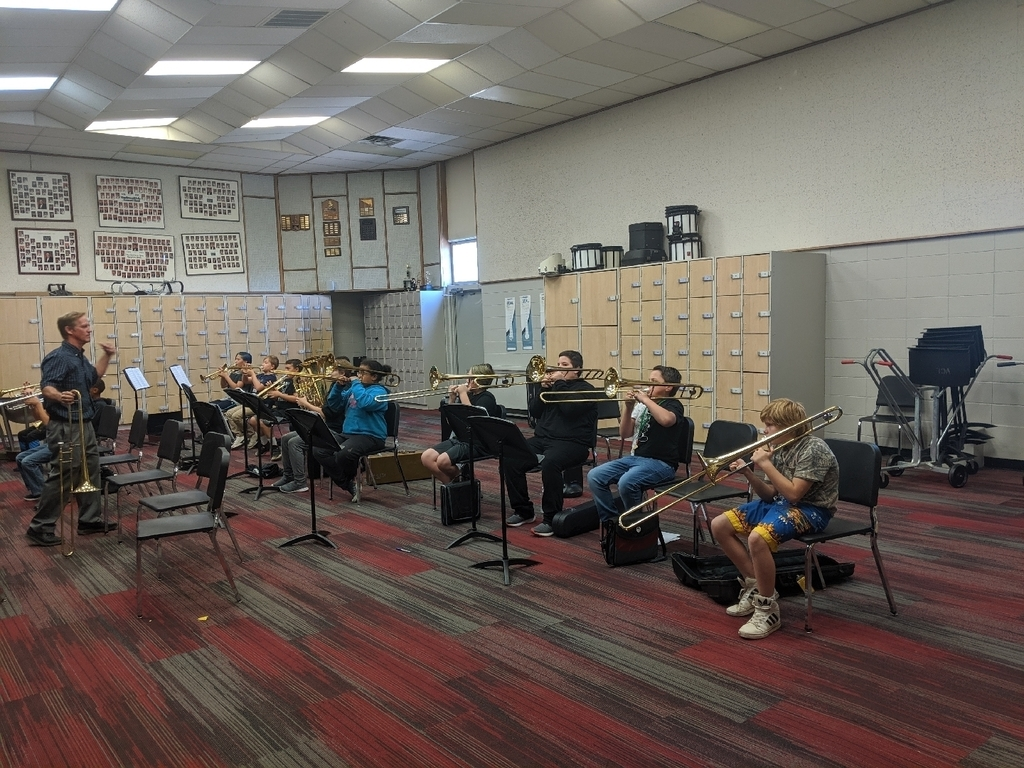 Beginning band in class